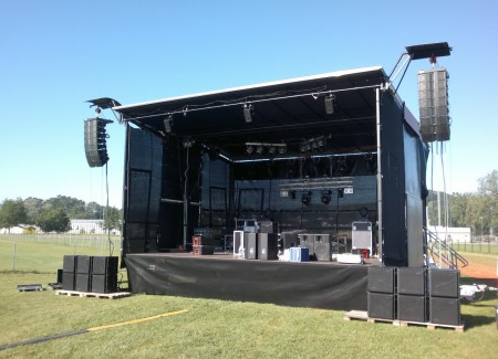 Renting of mobile event stages
